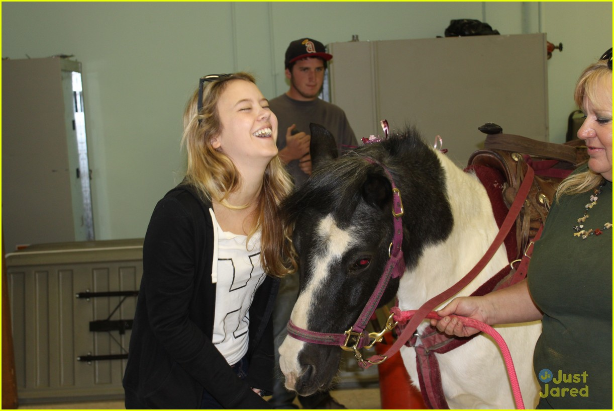 taylor spreitler pony ride 01