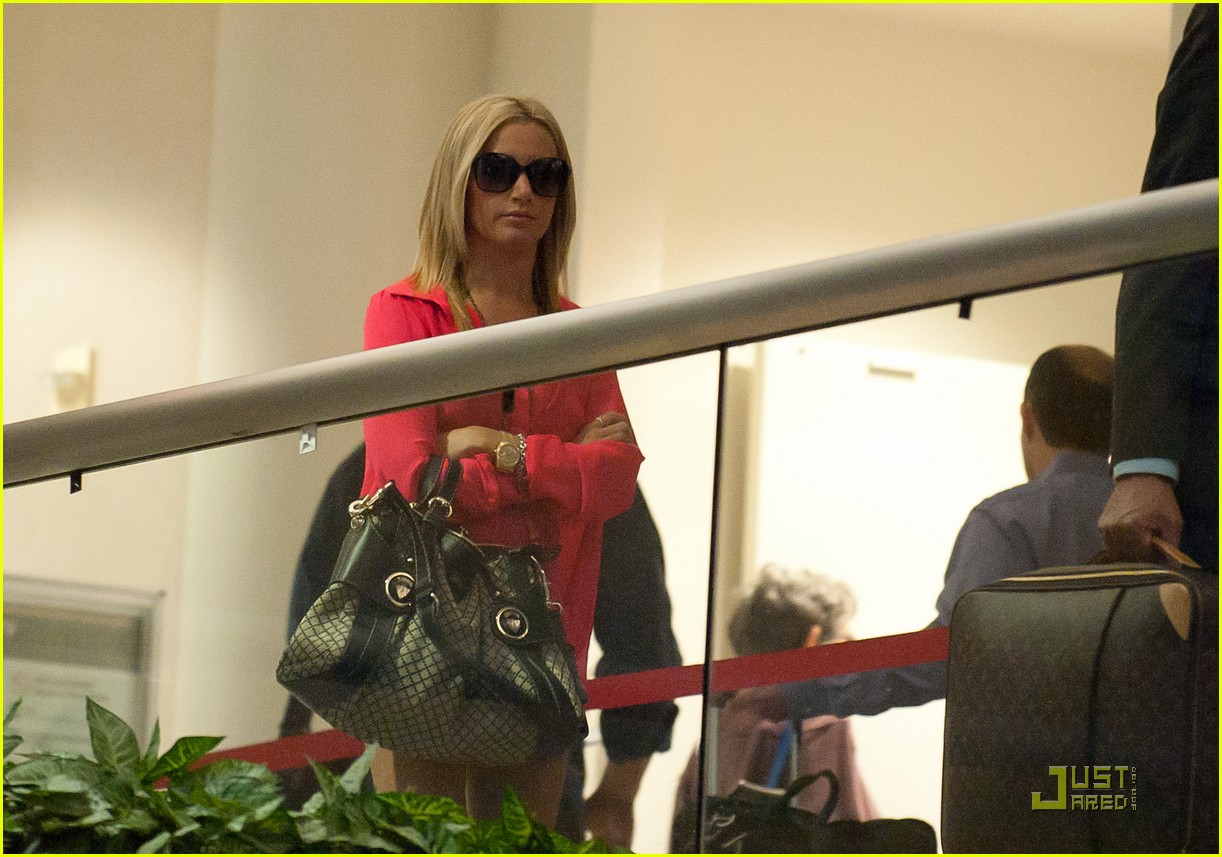 ashley tisdale miami landing 16