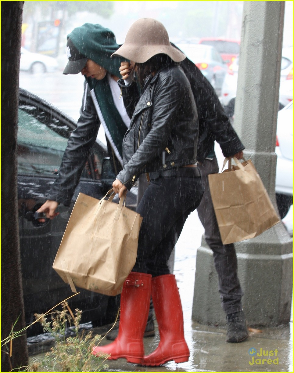 vanessa hudgens rainy red boots 02