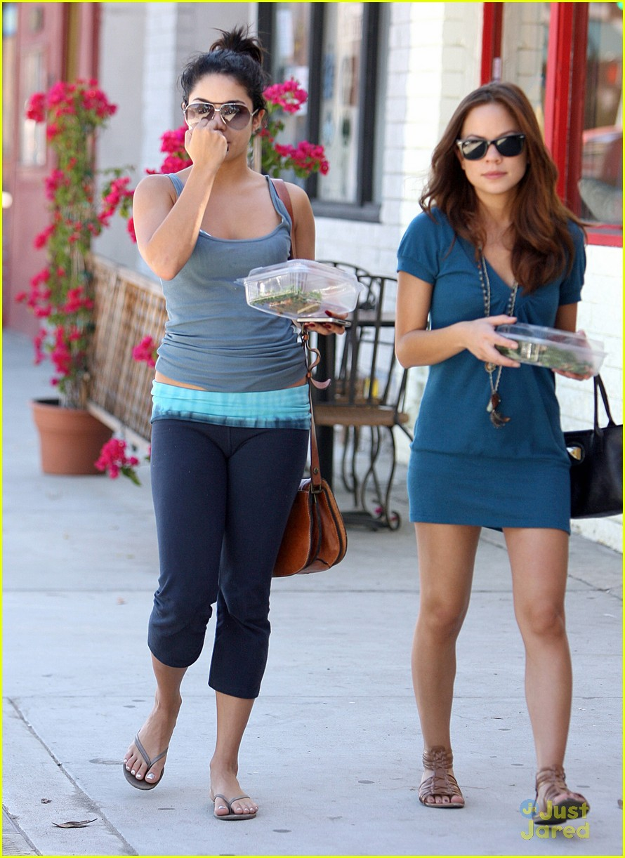 vanessa hudgens lunch kim 05