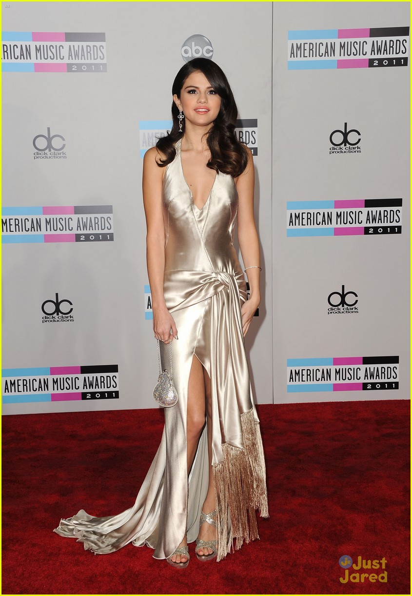 selena justin 2011 amas 03
