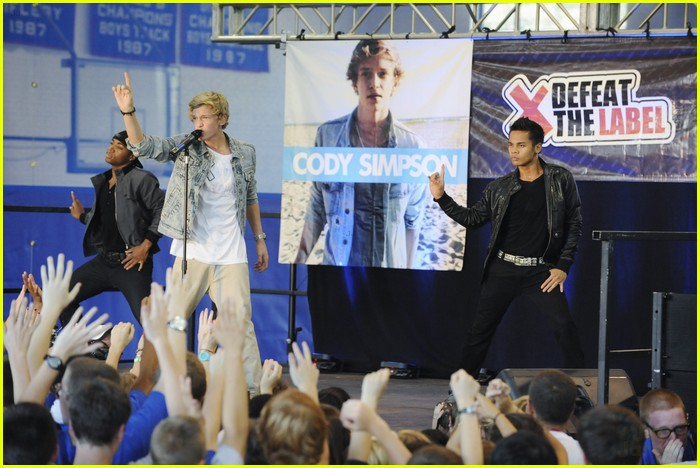 cody simpson extreme makeover 05