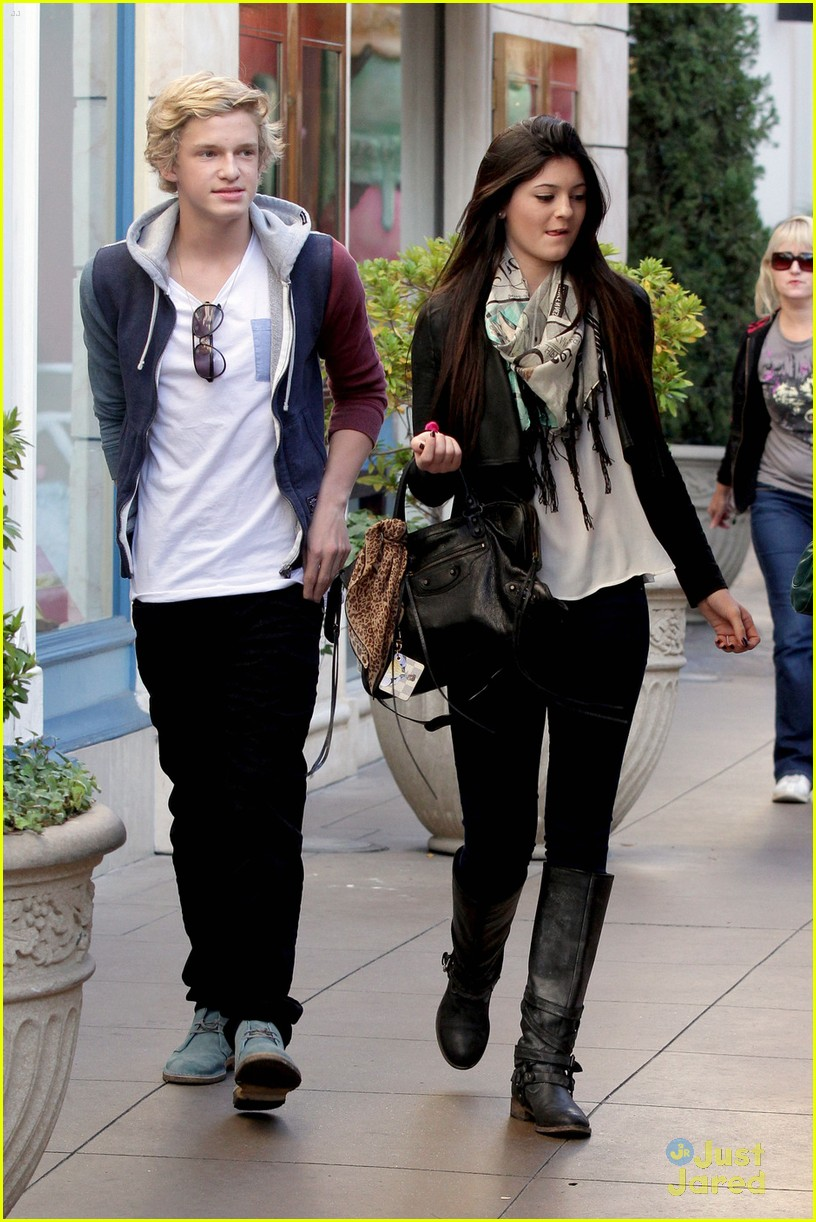 kylie jenner cody simpson grove 06