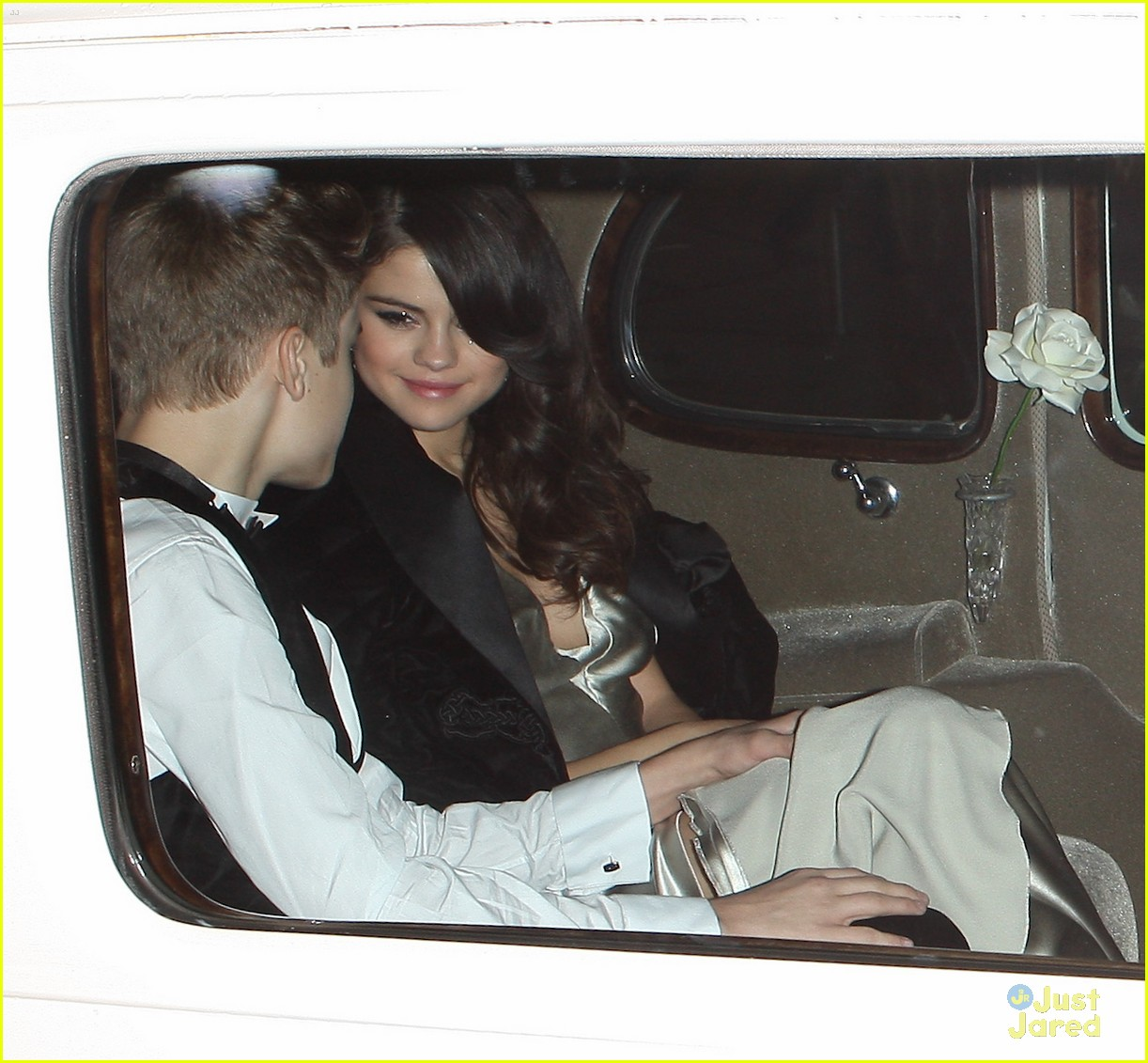 selena gomez justin bieber rolls 01