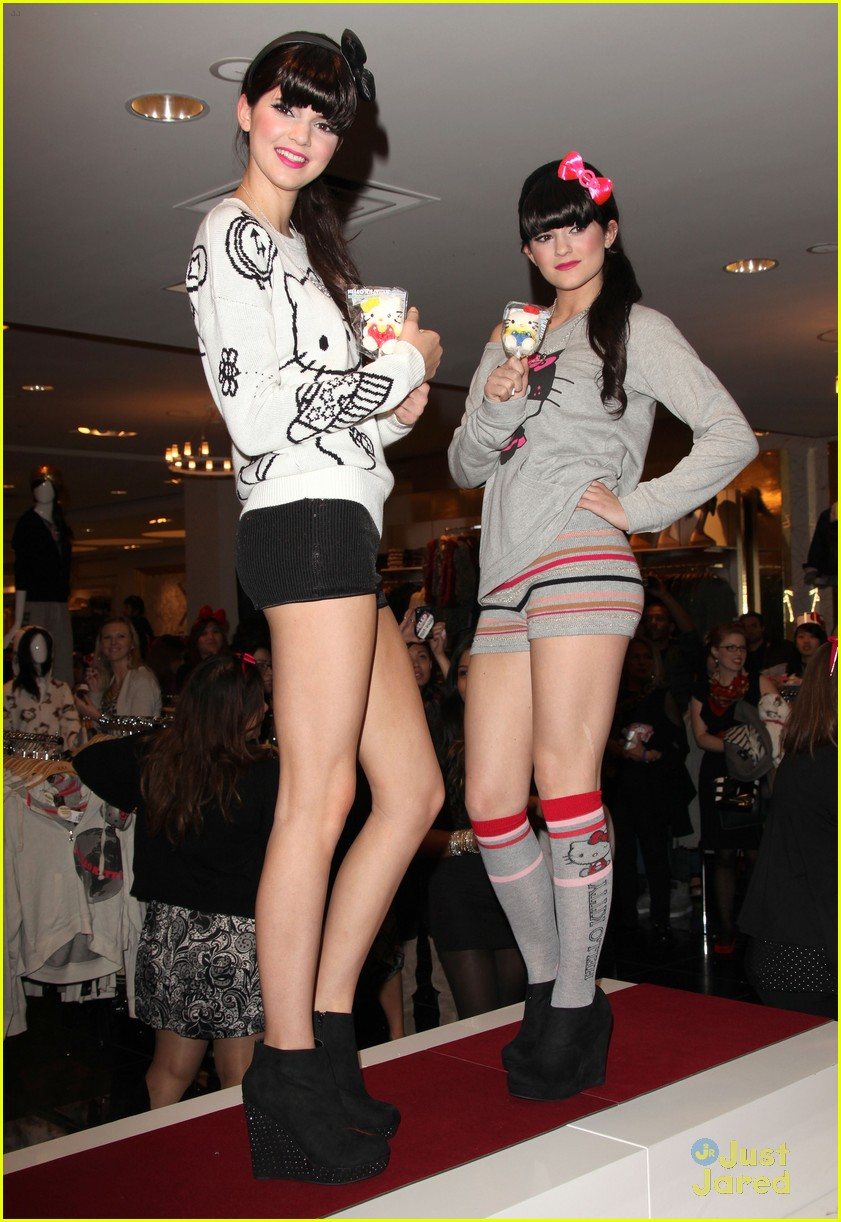 kendall kylie jenner hello kitty 01