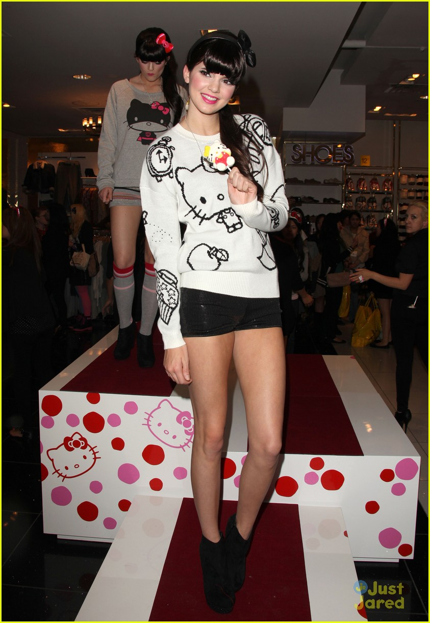 kendall kylie jenner hello kitty 06