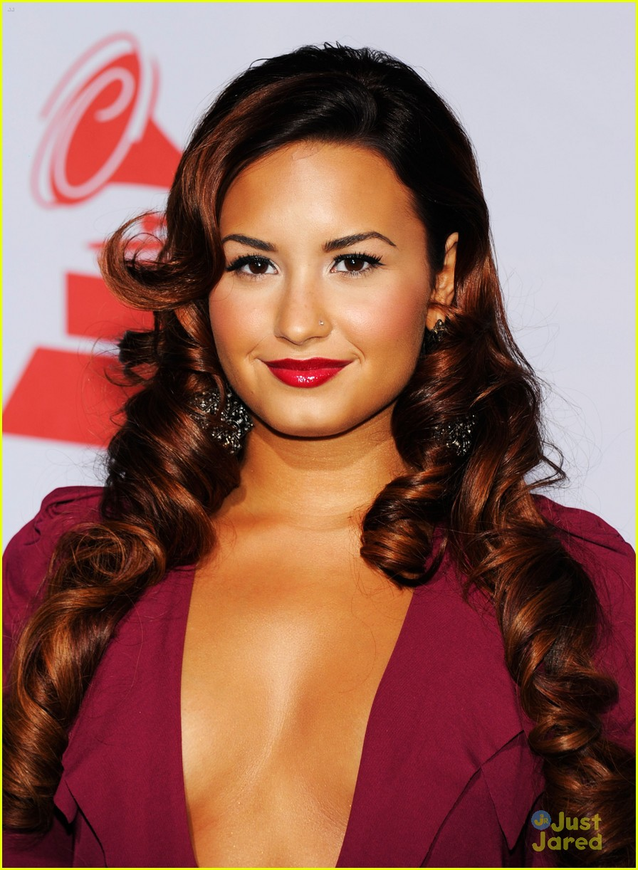 demi lovato latin grammys 02
