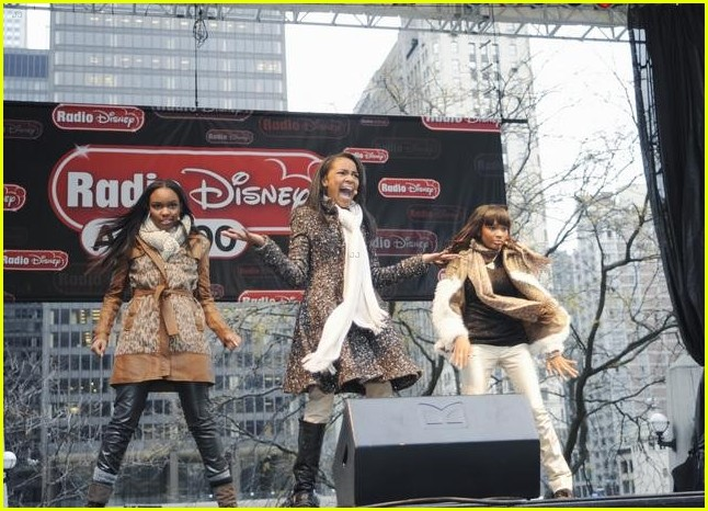 china anne mcclain planet hollywood  02