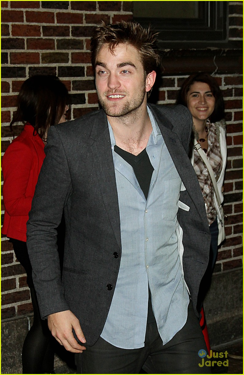 robert pattinson letterman arrival 06