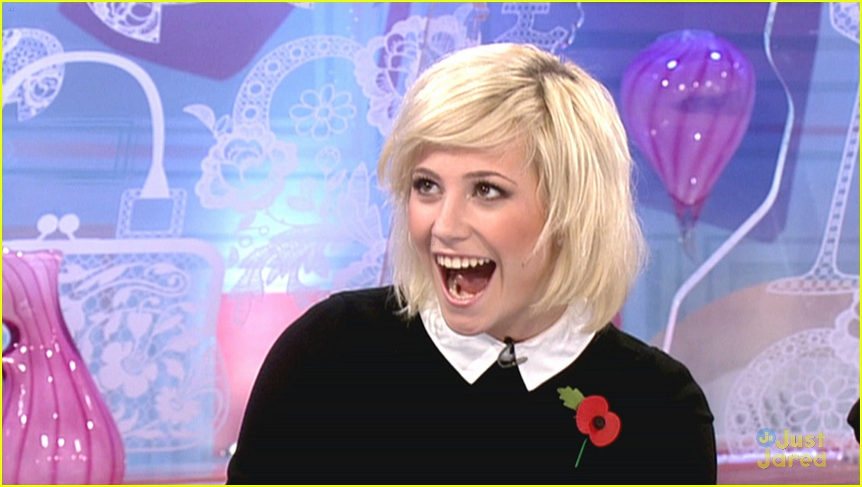 pixie lott loose women 01