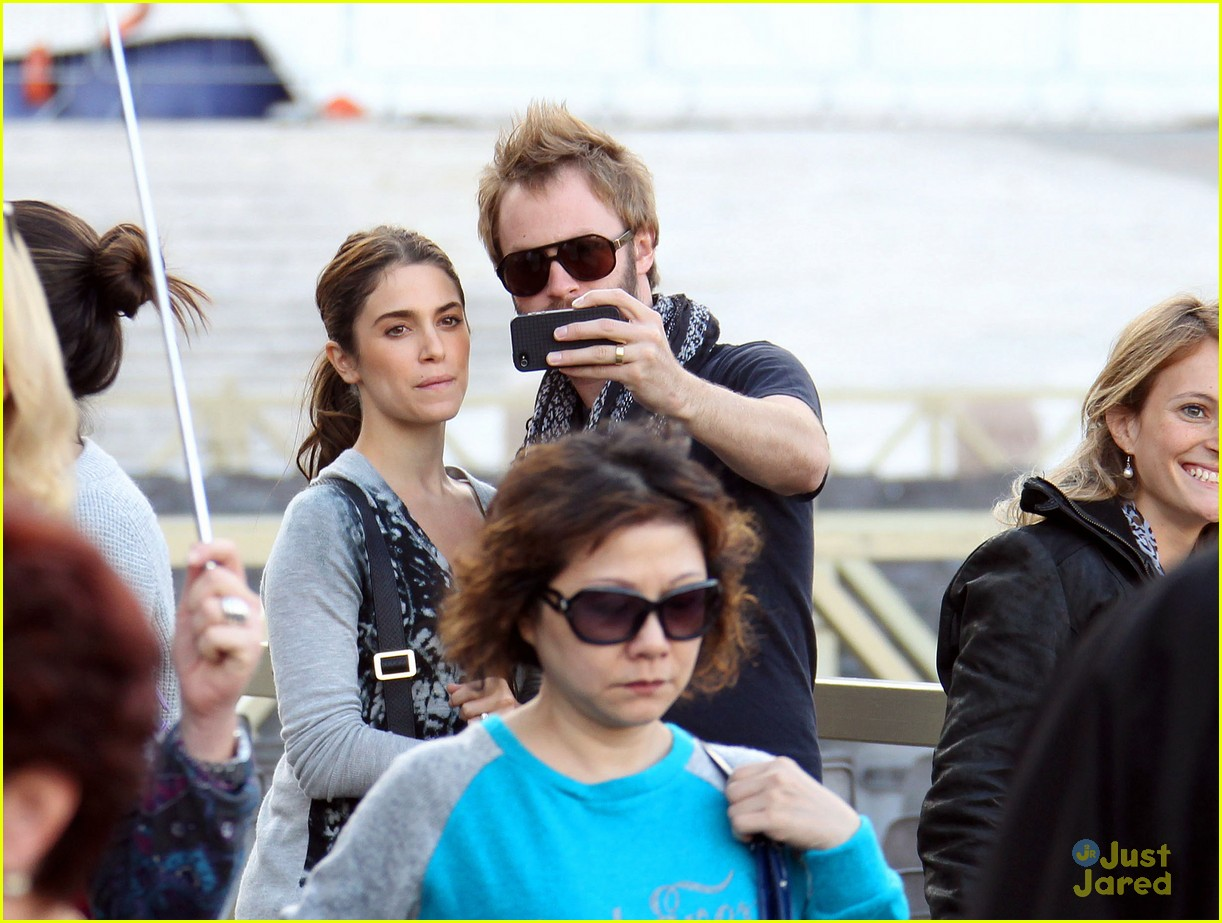 nikki reed jackson rathbone tour 02