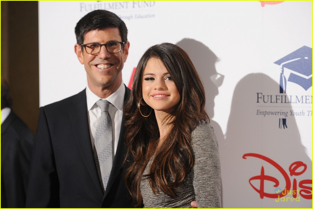 selena gomez fulfillment gala 02