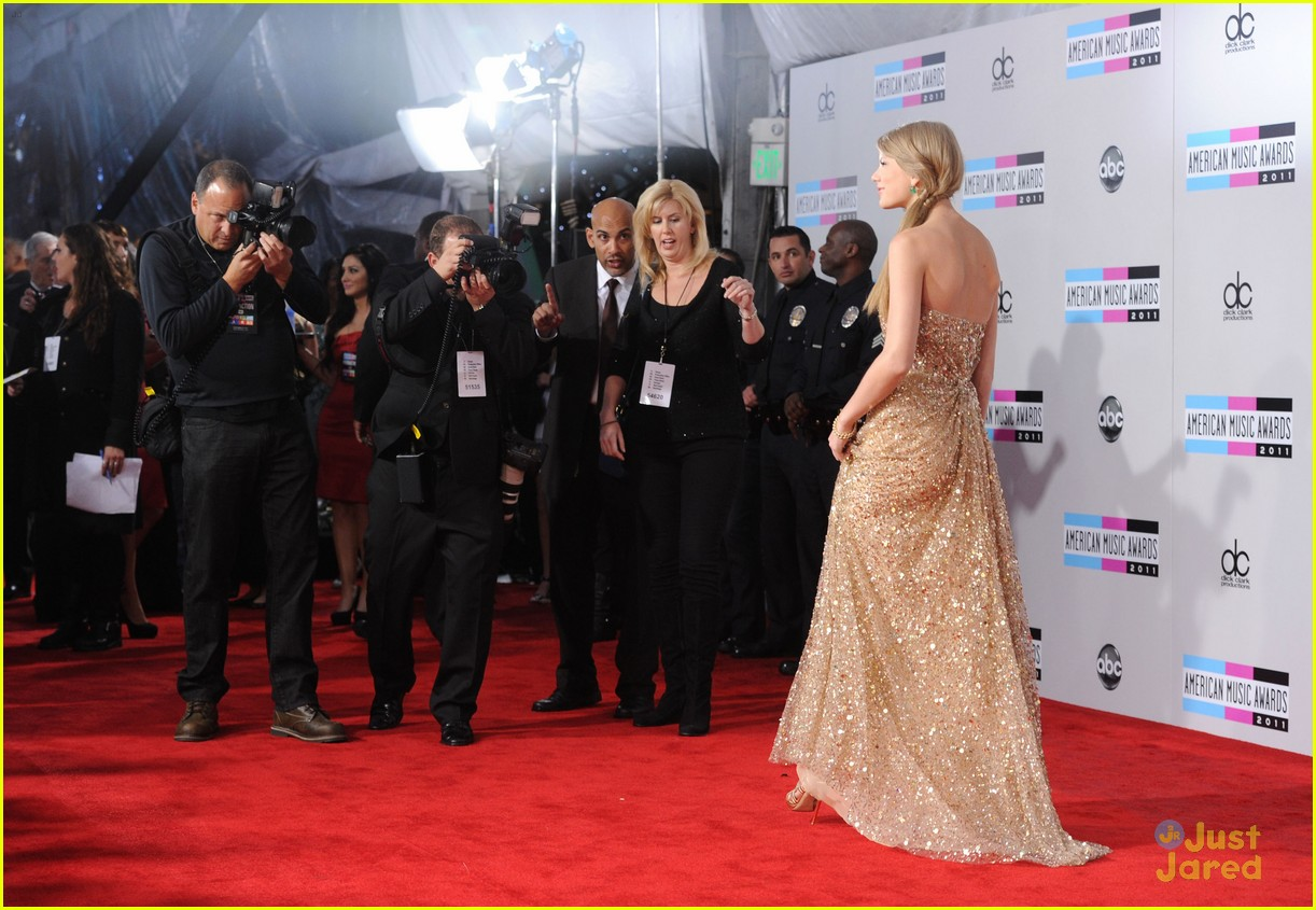 taylor swift 2011 amas 01