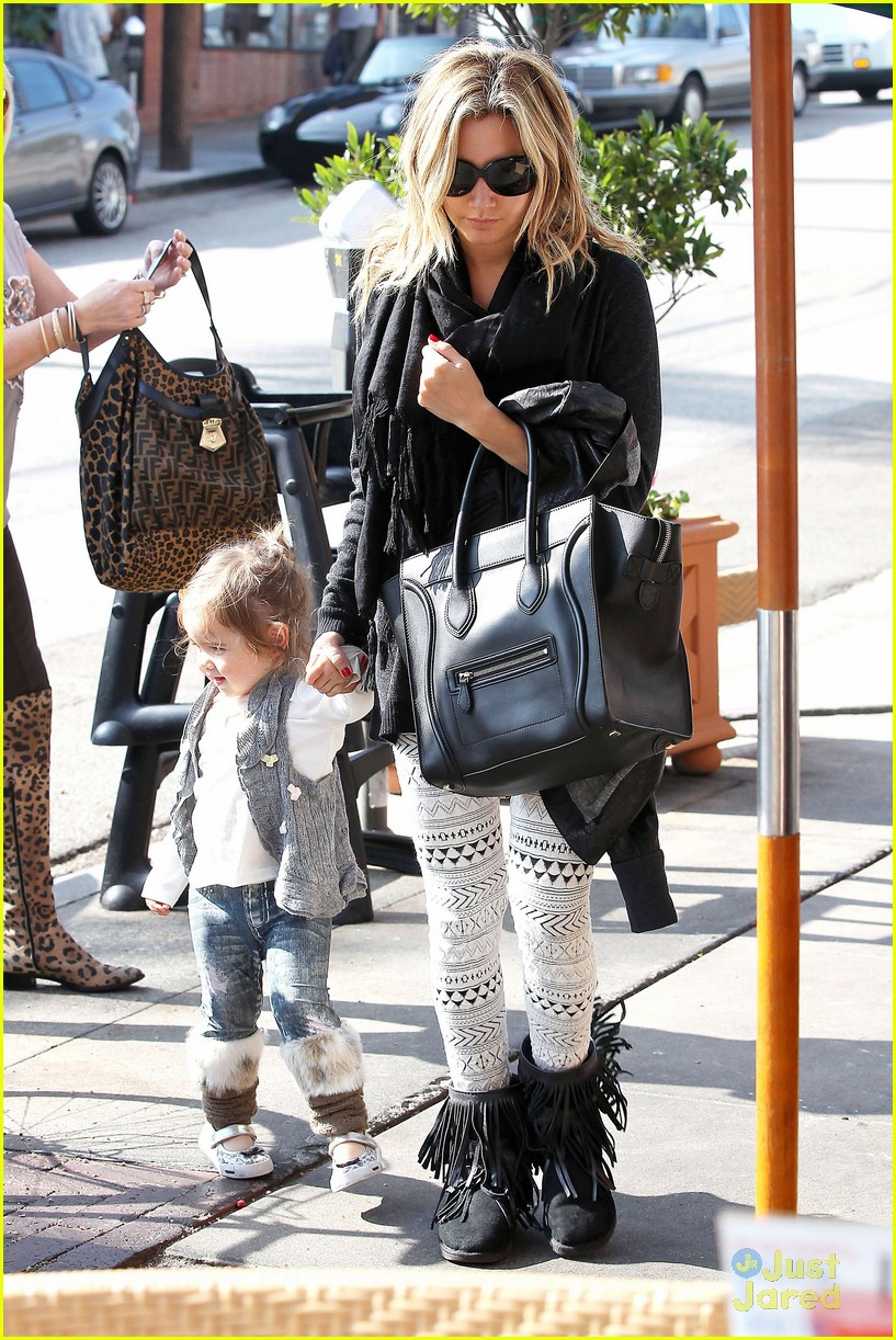 ashley tisdale mikayla lunch 05