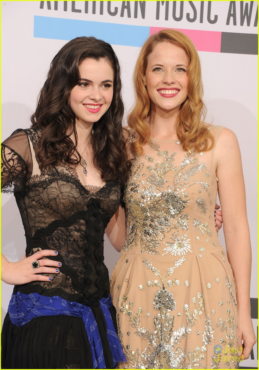 vanessa marano katie leclerc amas 03