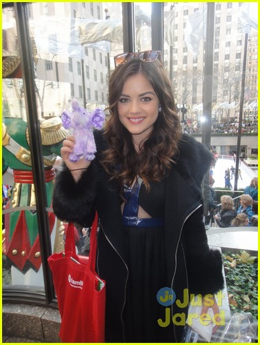 lucy hale ashley benson pretty little elephants 01