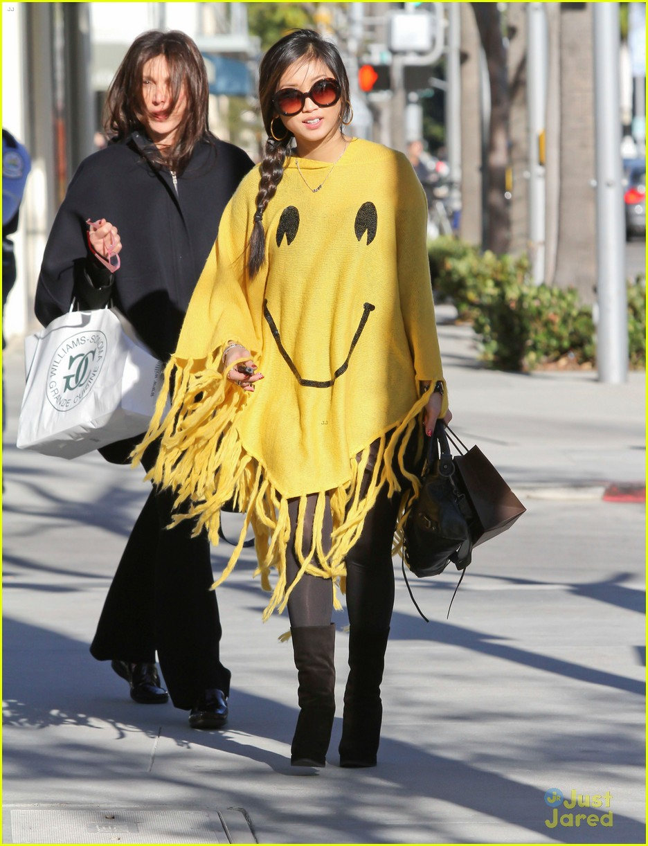 brenda song smiley face poncho 04
