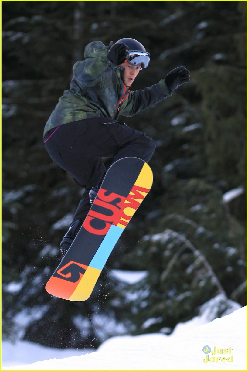 cory monteith snowboarding 04