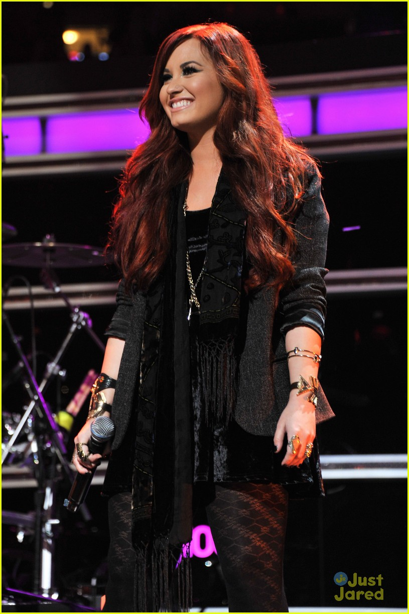 demi lovato kelly clarkson duet 14