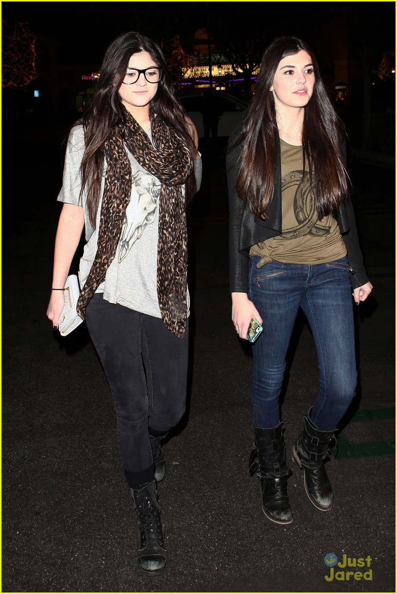 kendall kylie jenner movie night 09