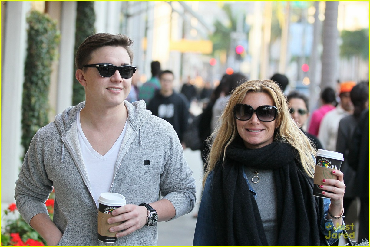 jesse mccartney hermes mom 12