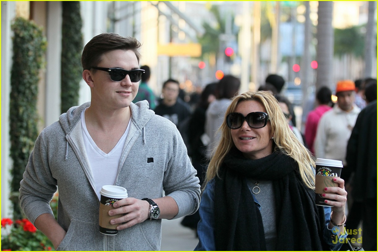jesse mccartney hermes mom 14
