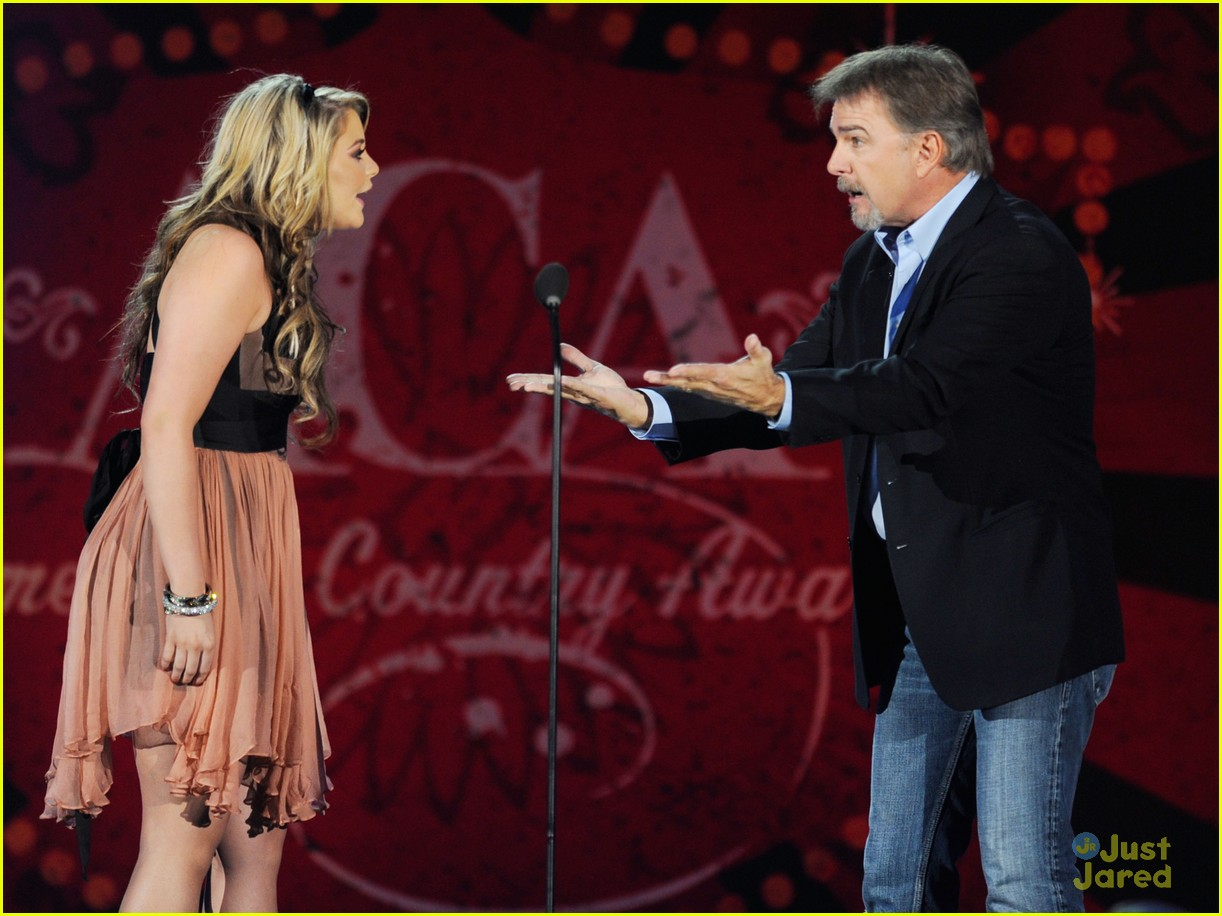 lauren alaina american country awards 11
