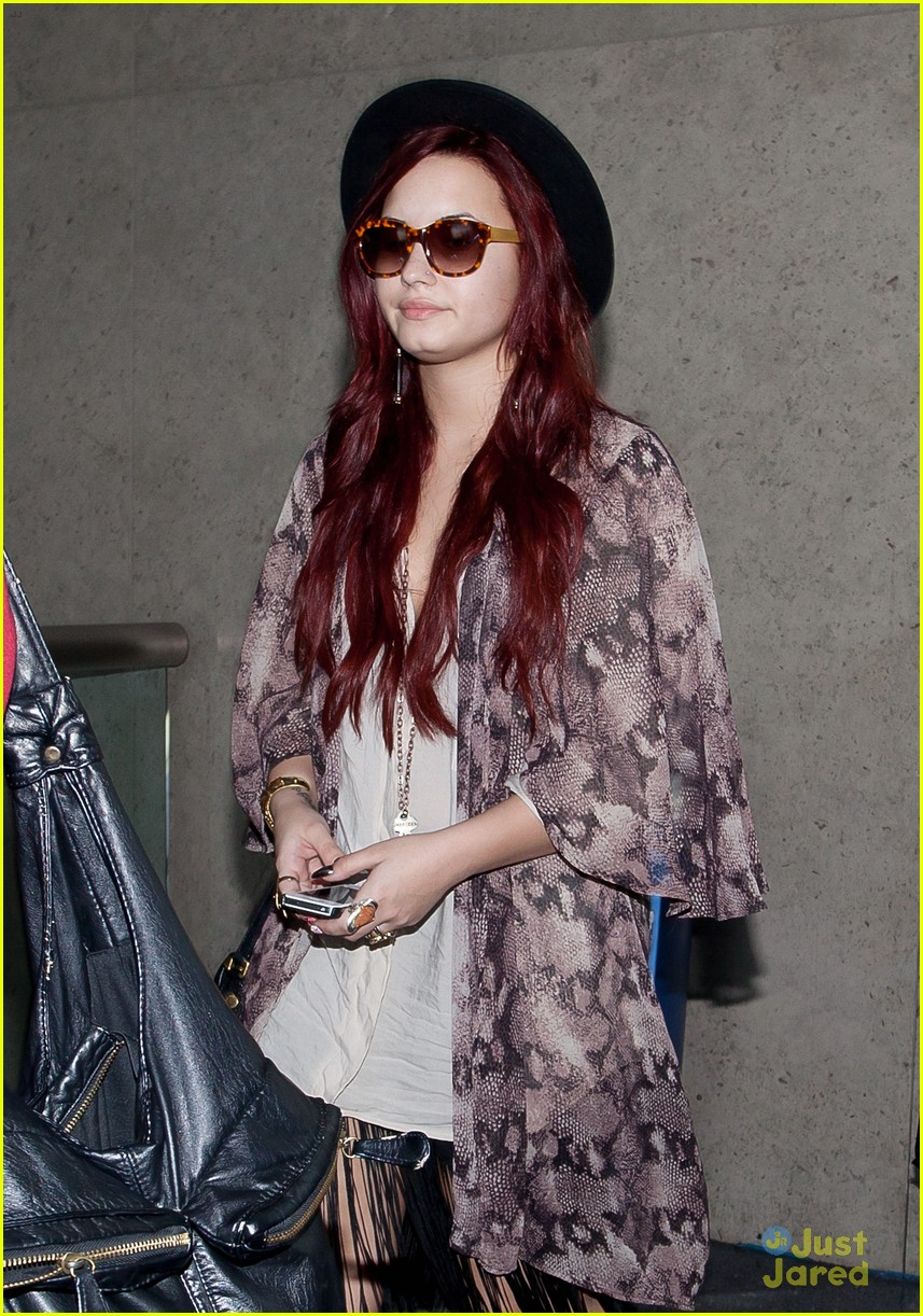 demi lovato back lax 05