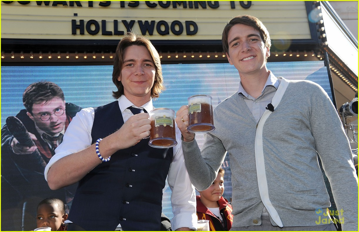 james oliver phelps hogwards hollywood 05
