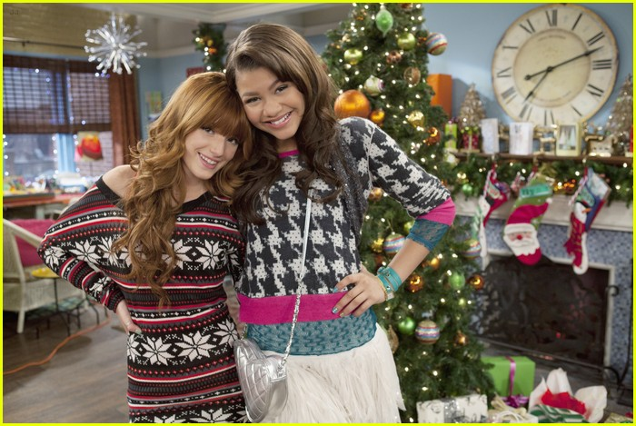 Bella Thorne & Zendaya 'Shake Up' The Holidays | Photo 451692 ...