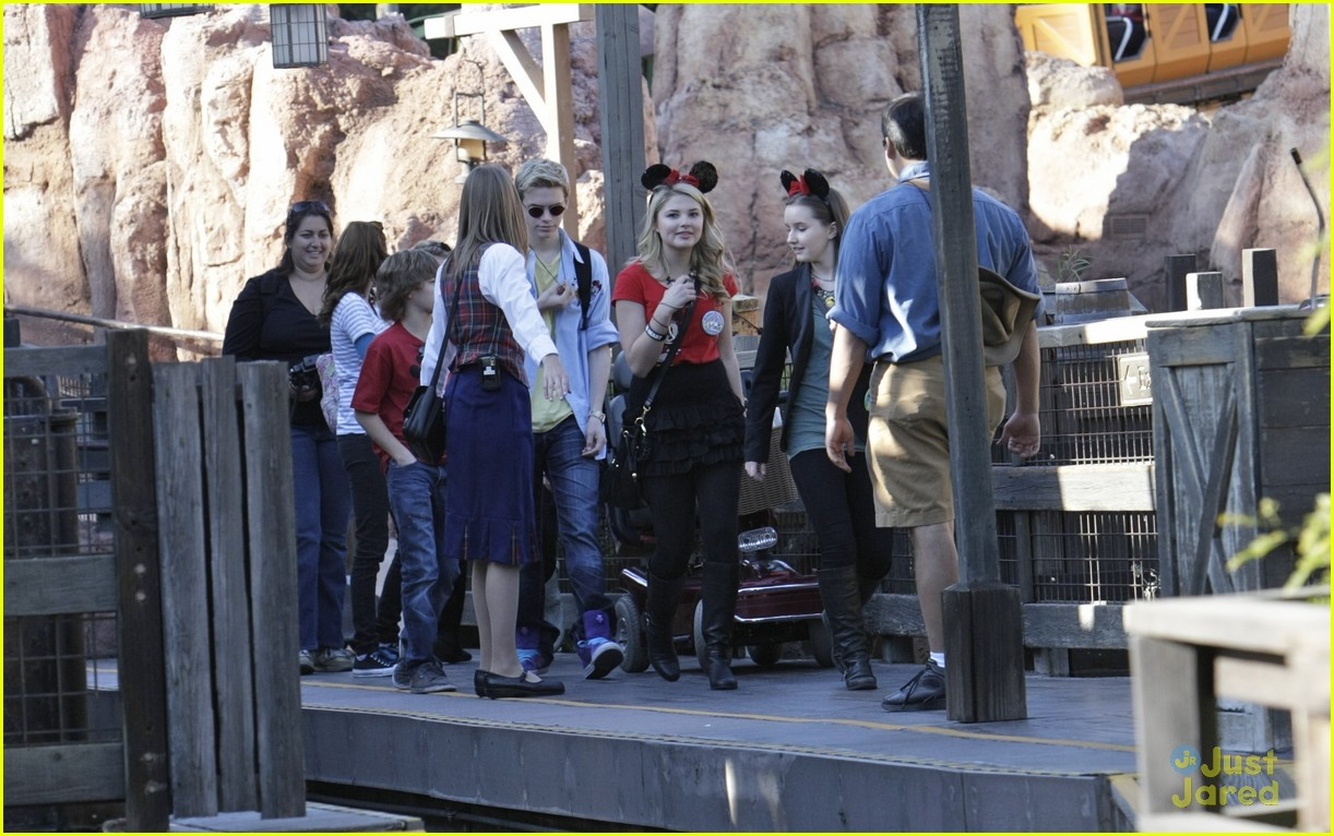 stefanie scott disneyland bday 10