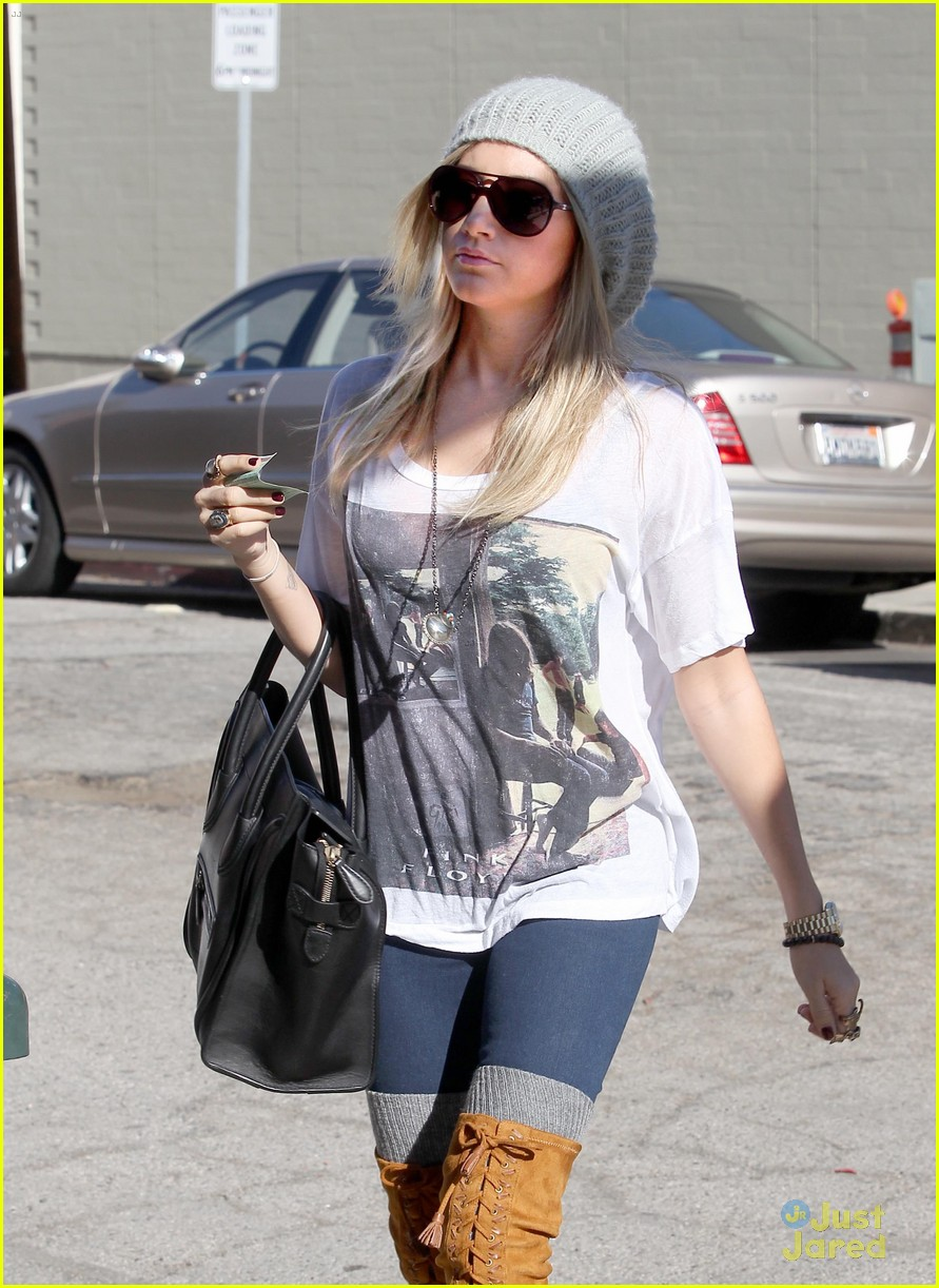ashley tisdale lace boots shopping 09