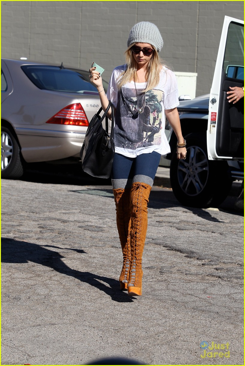 ashley tisdale lace boots shopping 10
