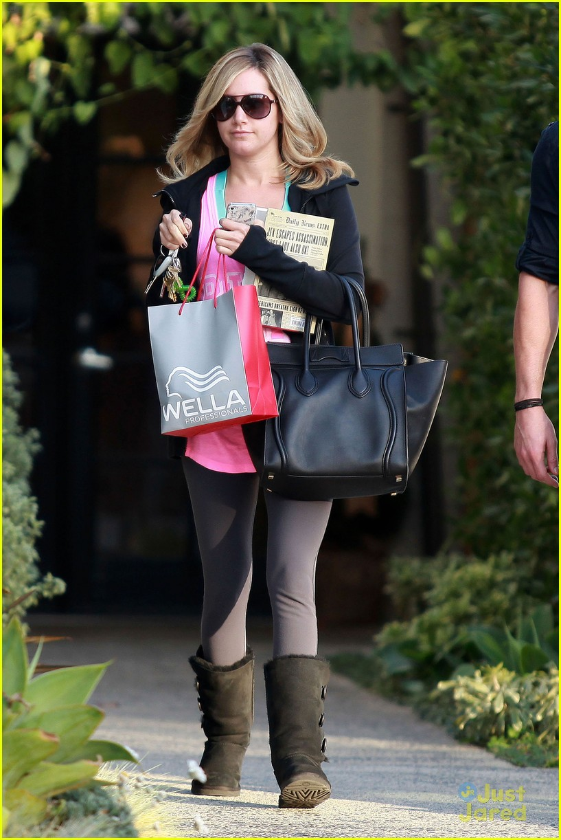 ashley tisdale salon stop 03