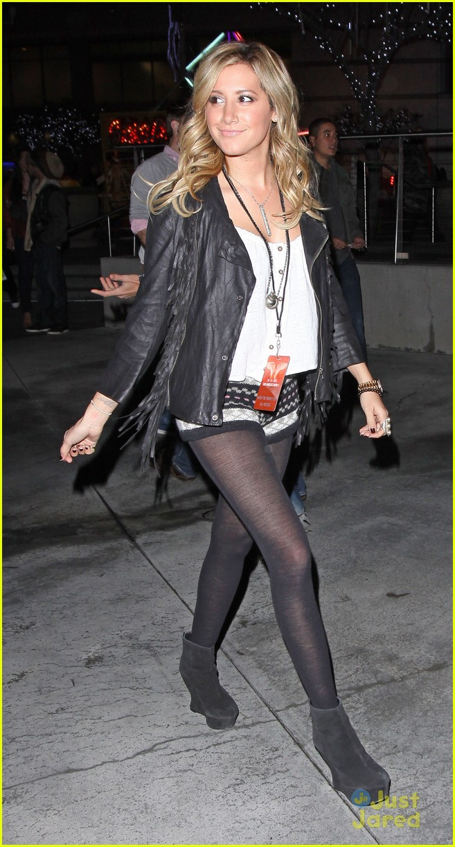 ashley tisdale staples center 01
