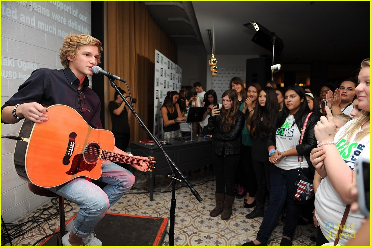 cody simpson teens jeans 03
