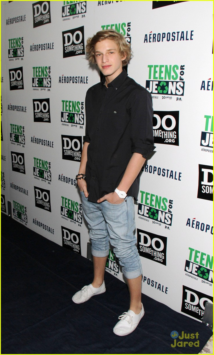 cody simpson teens jeans 07