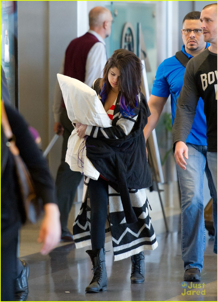 selena gomez pillow lax 03