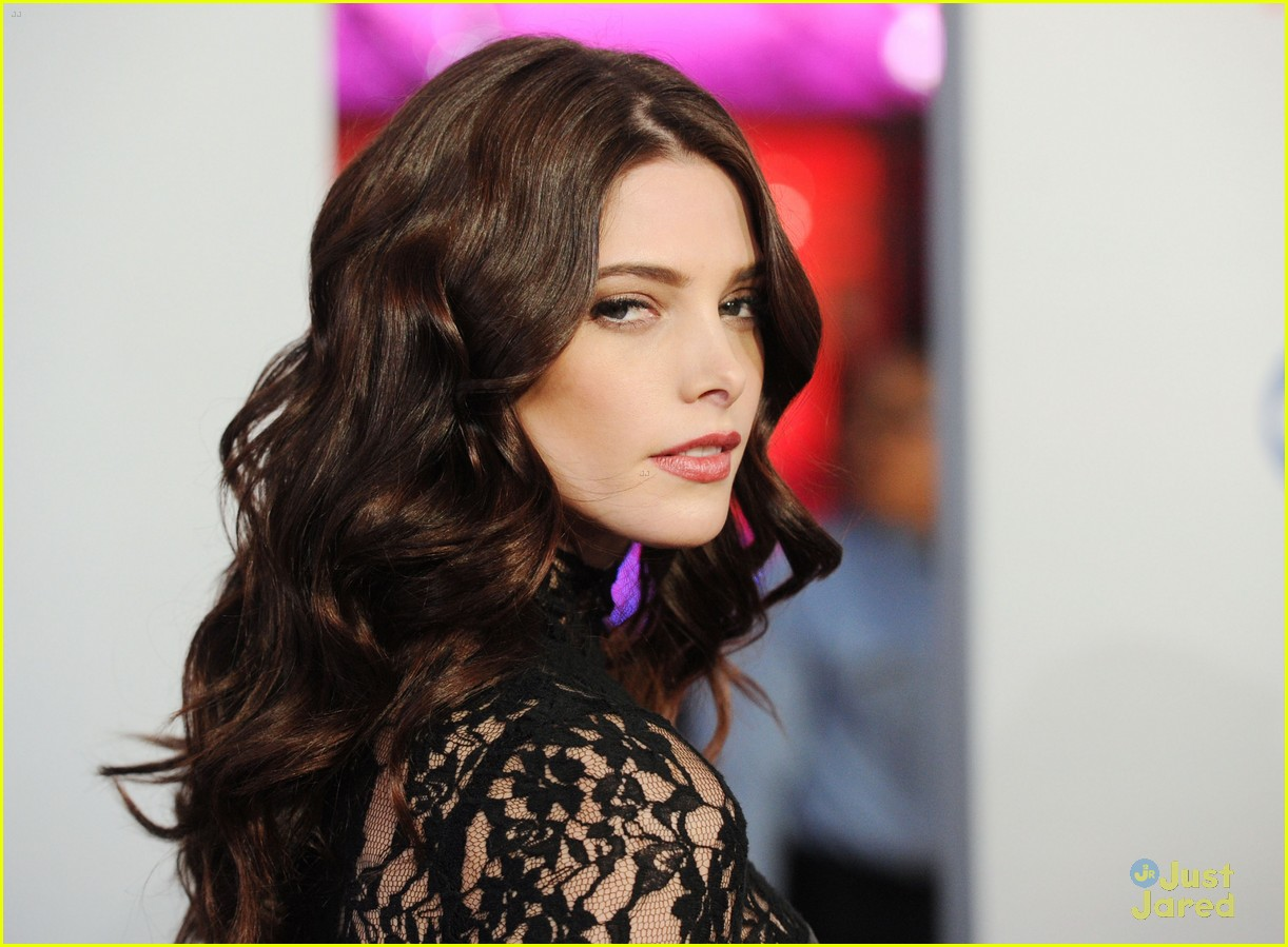 ashley greene 2012 pcas 13