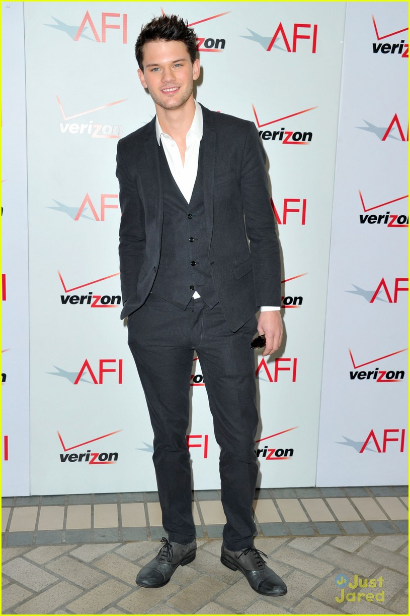 jeremy irvine bafta afi 20