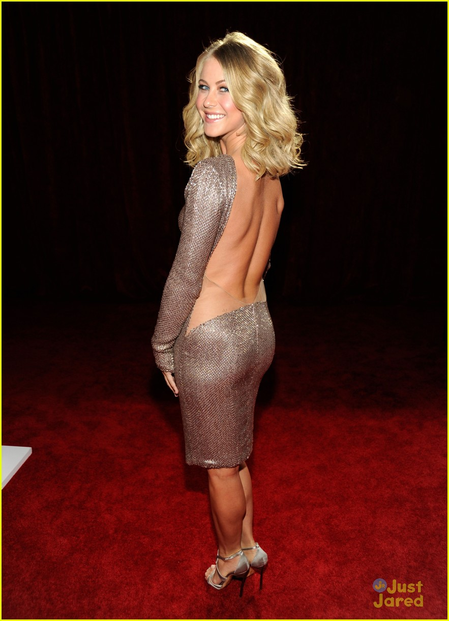 julianne hough 2012 pcas 04