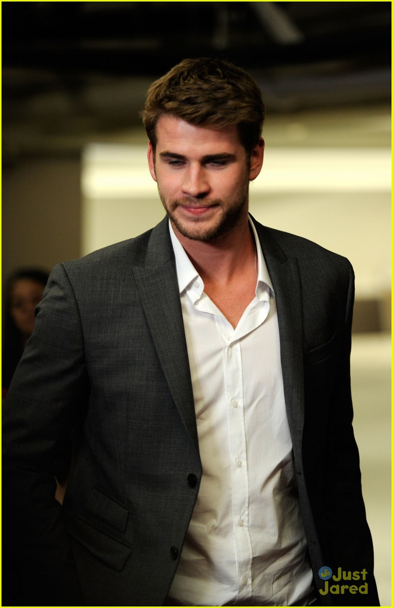liam hemsworth aussie awards timeless 06