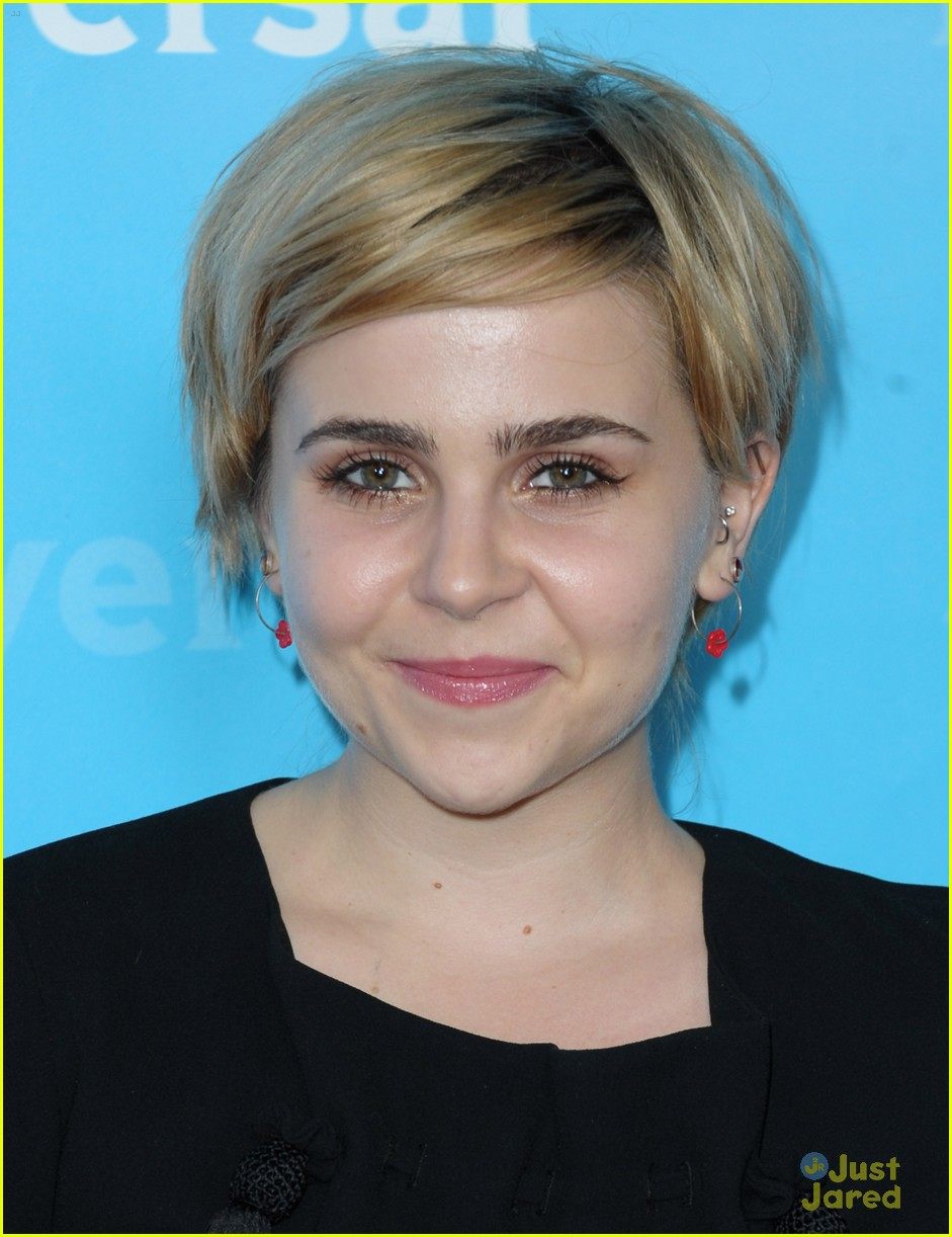 mae whitman nbc tca party 01