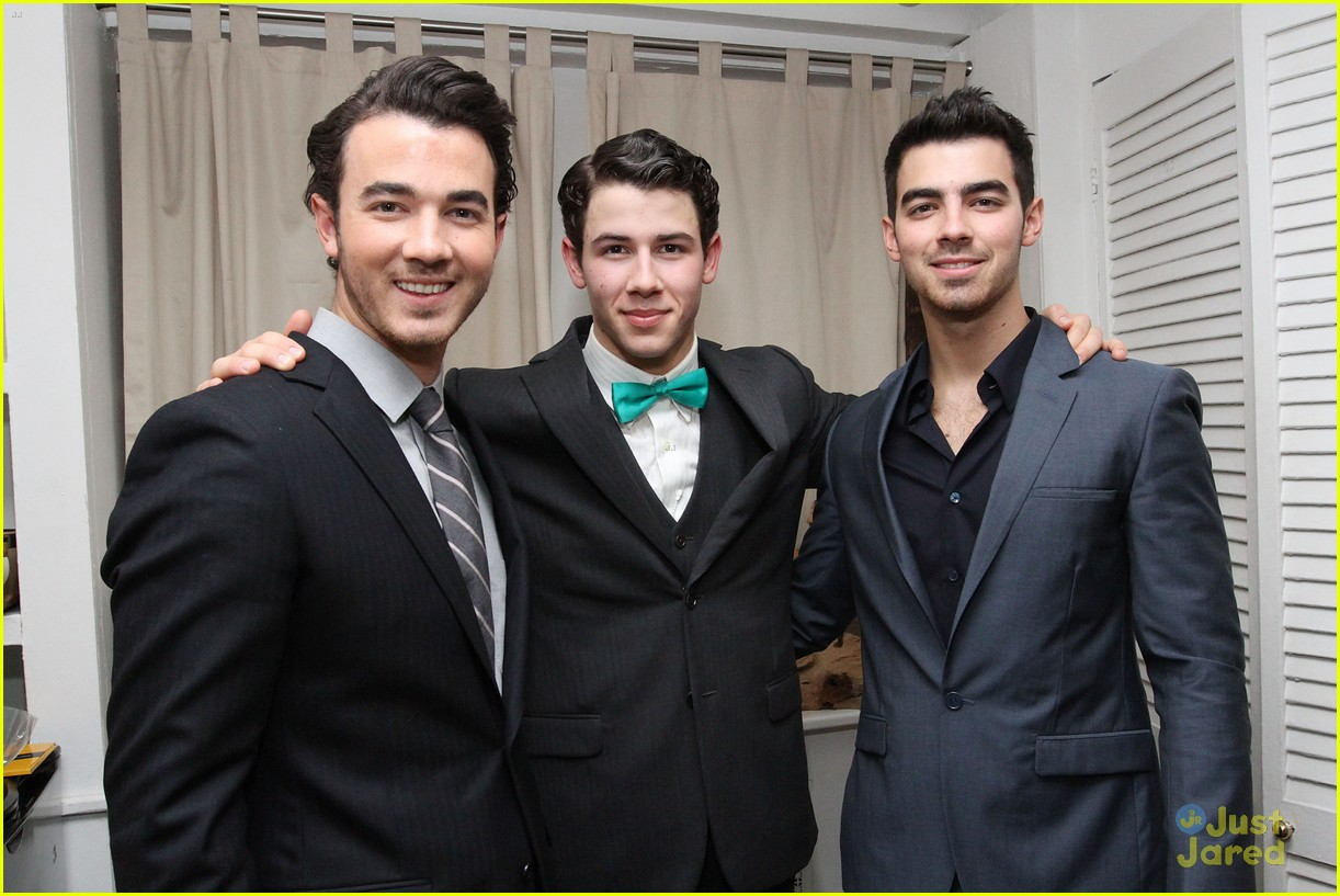nick jonas hts debut joe kevin 17