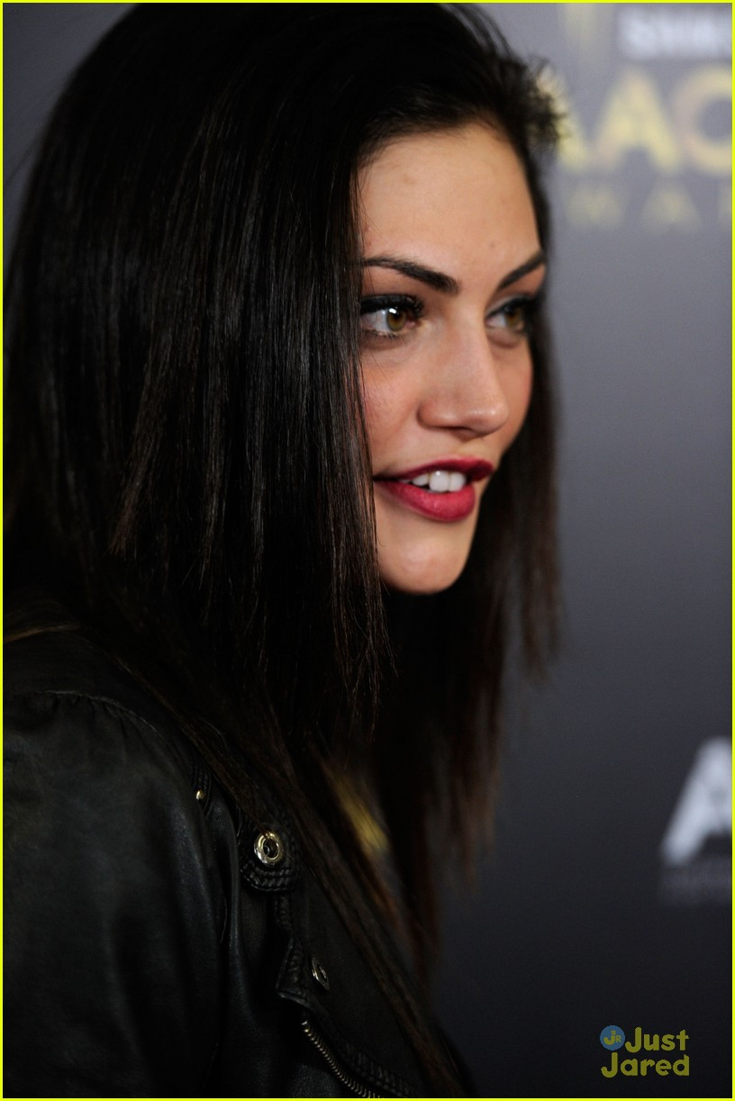 phoebe tonkin claire holt aussie awards 15