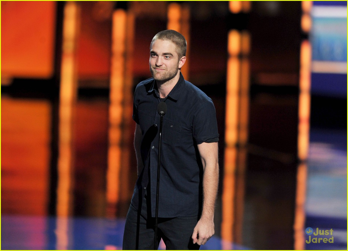 robert pattinson betty white pcas 04