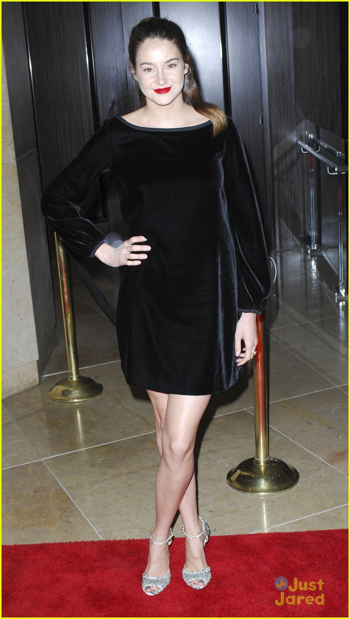 shailene woodley producers guild 06