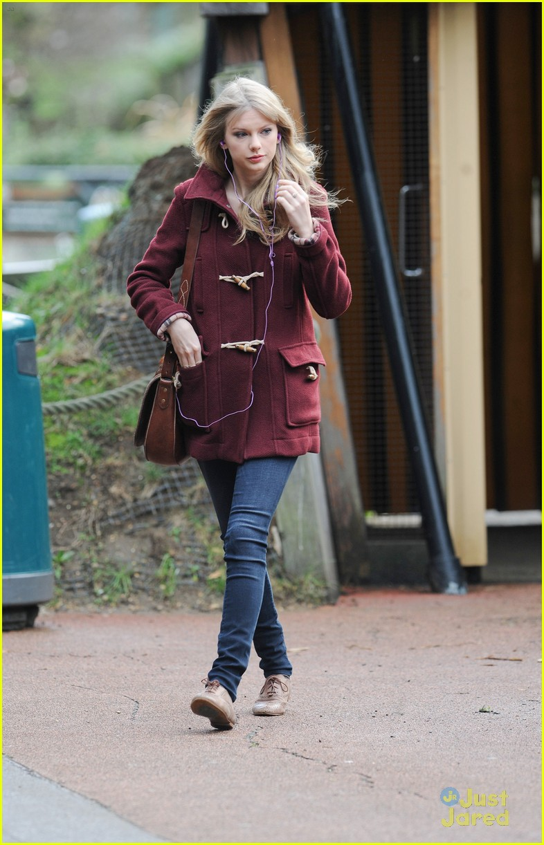 taylor swift london zoo 14