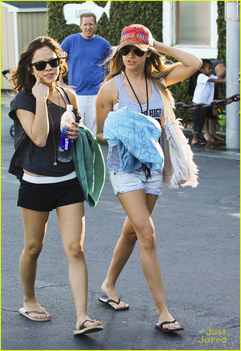 ashley tisdale kim hidalgo malibu 01