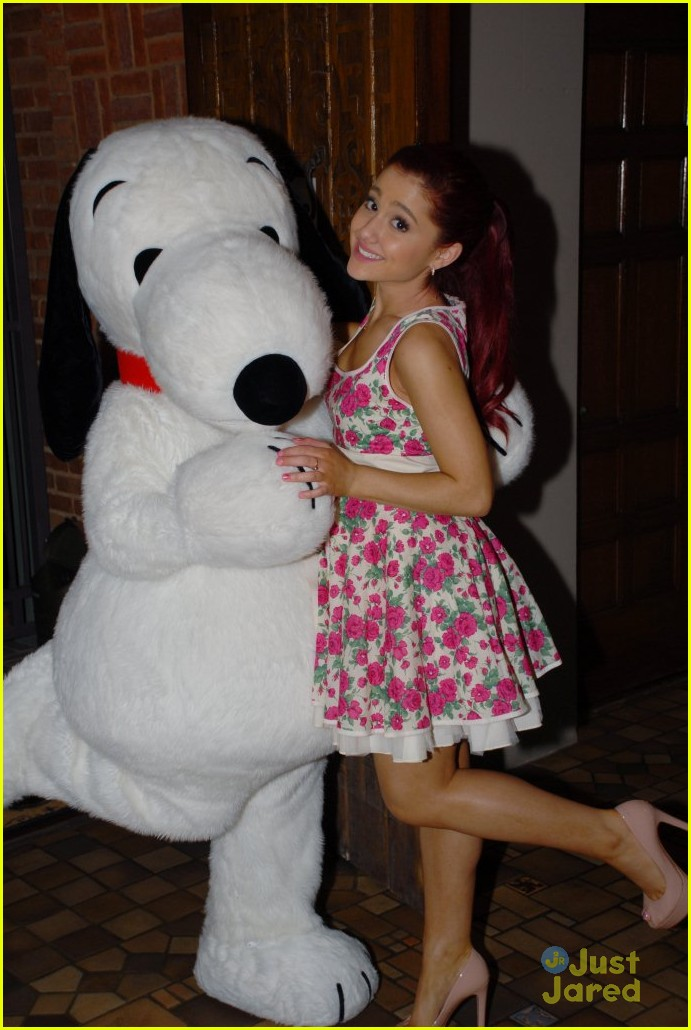 ariana grande twitter snoopy04